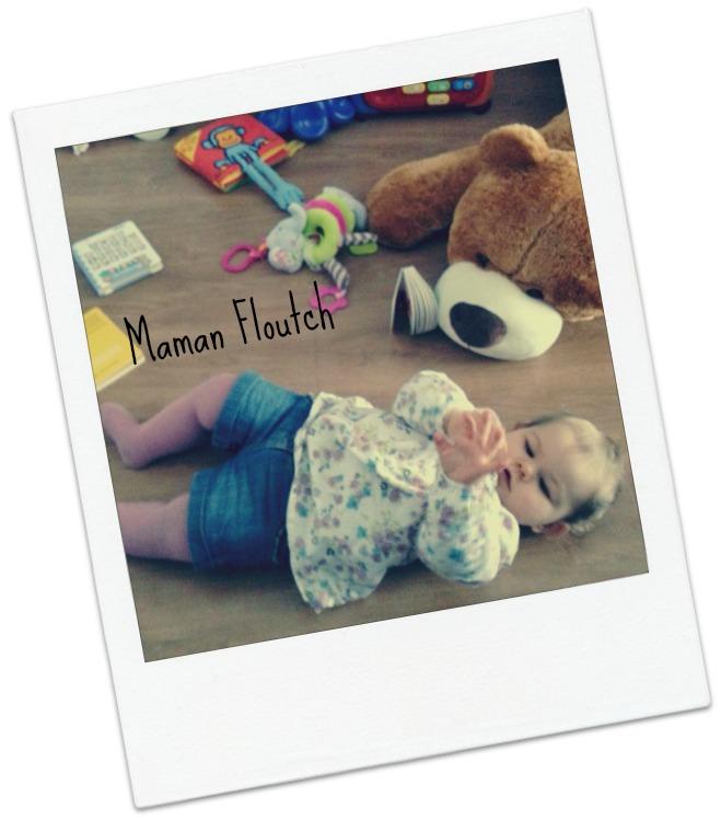 bébé par terre