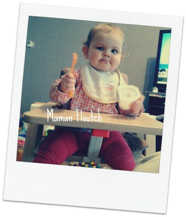 bébé dans chaise haute supaflat