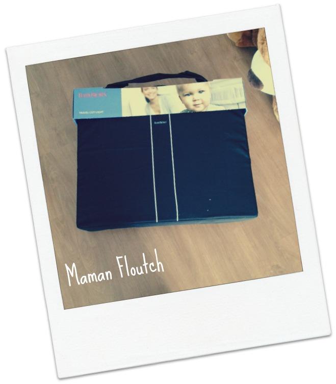 Lit parapluie light maman floutch blog pour mamans parents de jumeaux clermont ferrand - Lit parapluie pour jumeaux ...